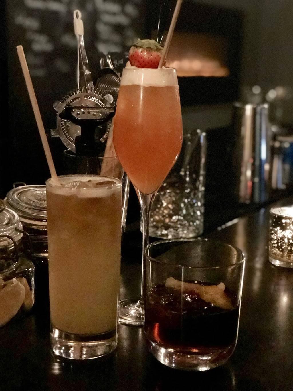 Local & Vine | restaurant | 282 Hudson St, New York, NY 10013, USA | 2123373414 OR +1 212-337-3414
