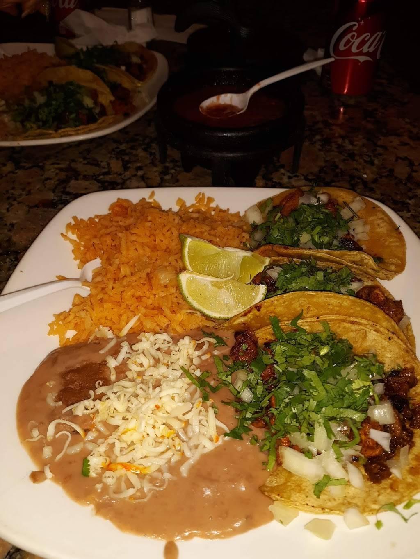 El Ranchito Taqueria | restaurant | 2213 W Lake St, Melrose Park, IL 60160, USA | 7088658036 OR +1 708-865-8036