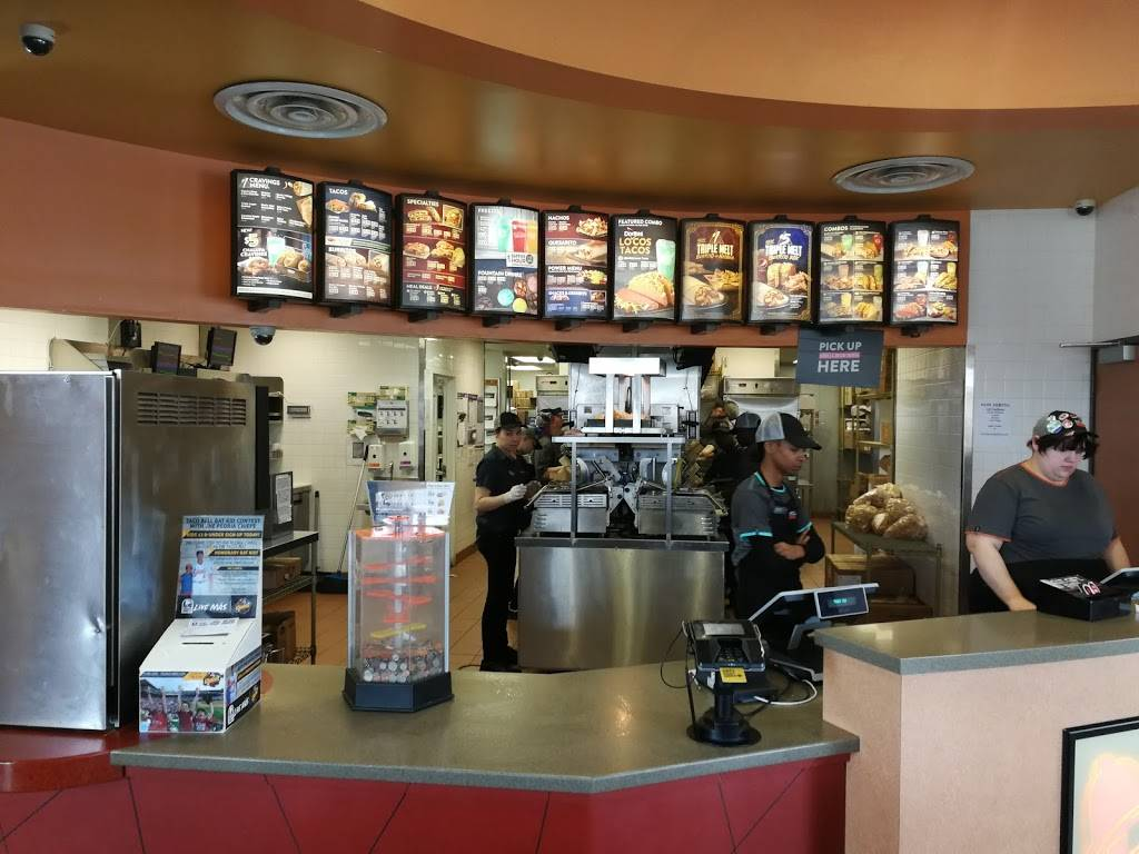 Taco Bell | meal takeaway | 108 W Camp St, East Peoria, IL 61611, USA | 3094271160 OR +1 309-427-1160