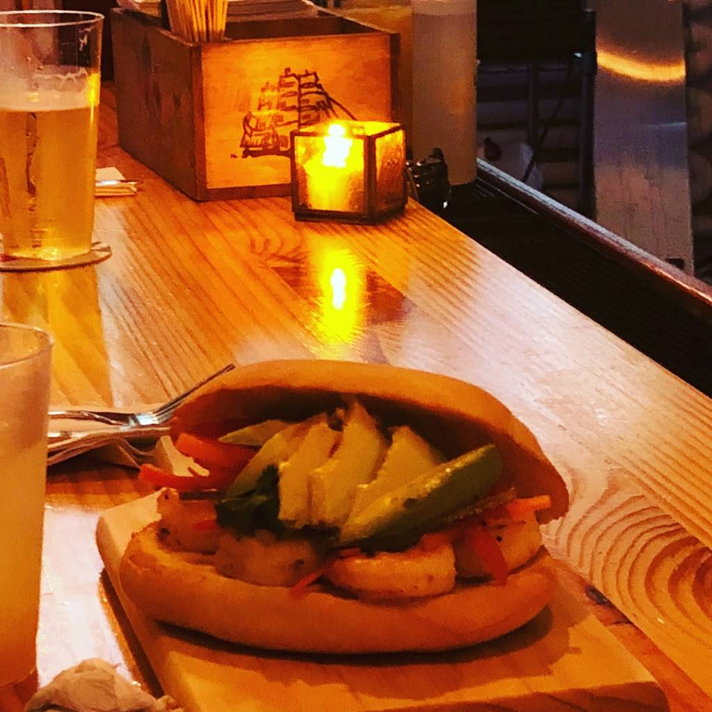 Frying Pan Helm Bar   restaurant   51 35th St, Brooklyn, NY 11232, USA   6467081814 OR +1 646-708-1814