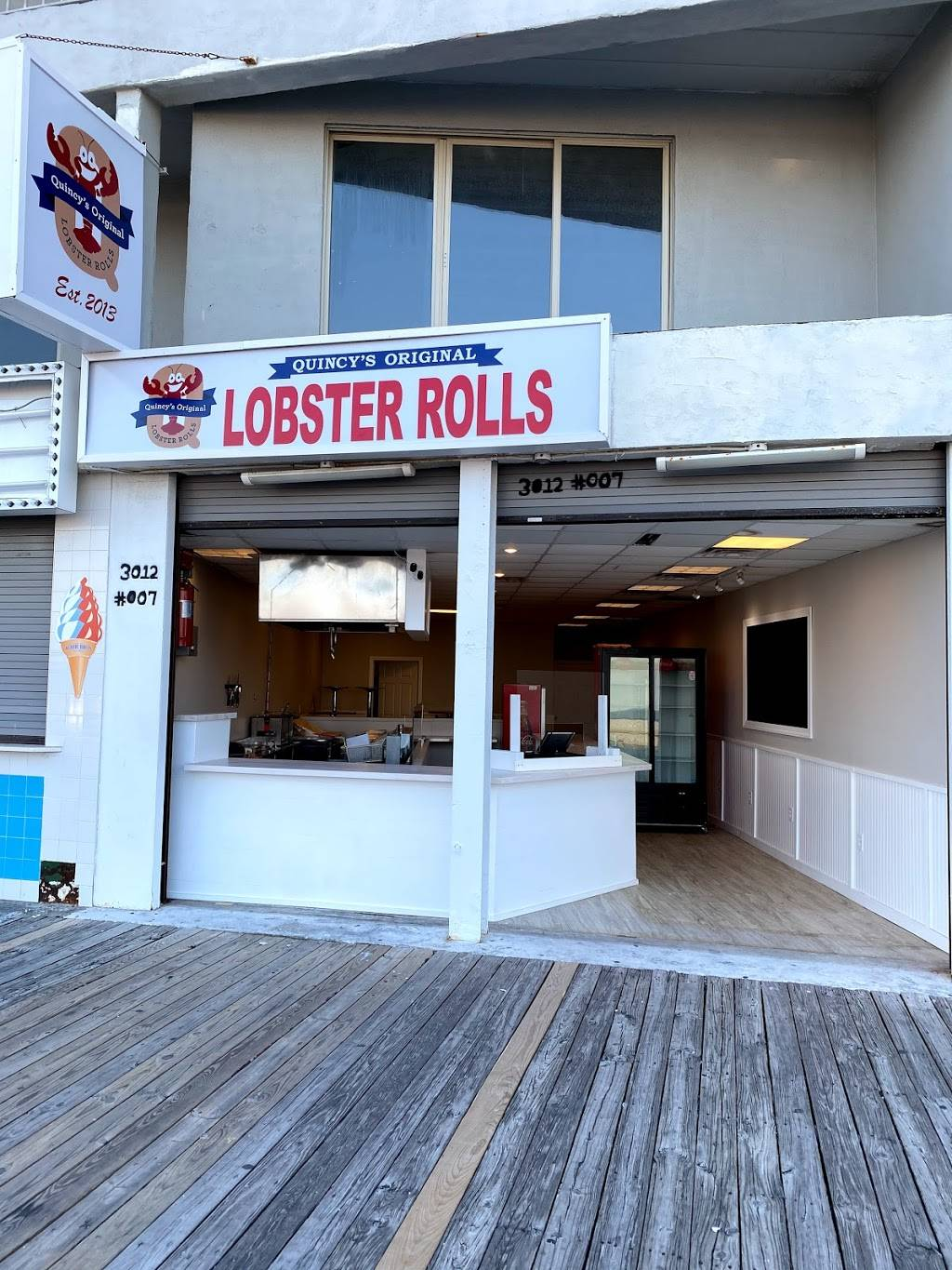 Quincys Original Lobster Rolls | restaurant | 3012 Boardwalk, Wildwood, NJ 08260, USA | 6093055970 OR +1 609-305-5970