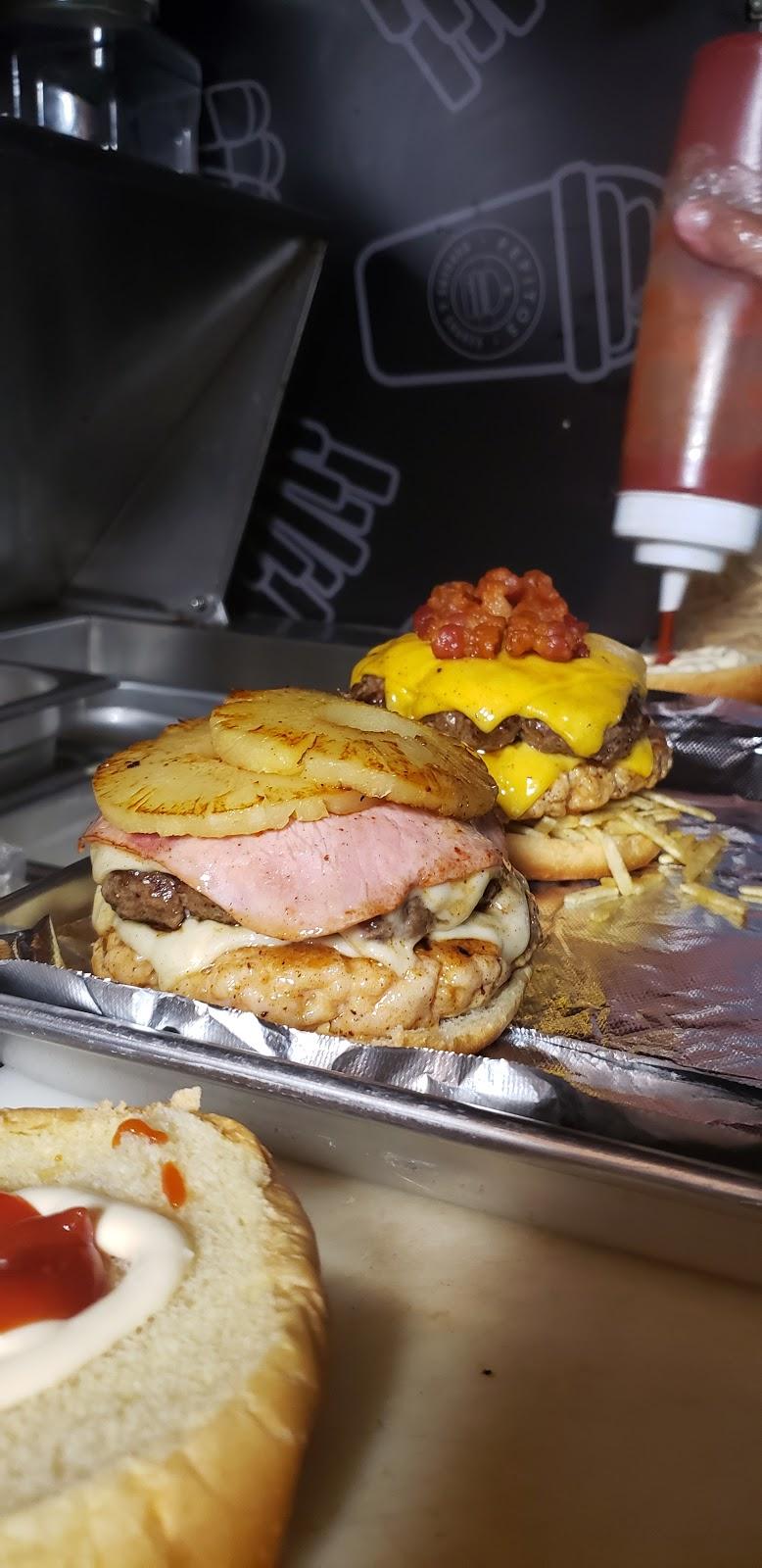 Pepitos Burgers & Shakes | restaurant | 2590 NE 186th St, North Miami Beach, FL 33160, USA | 3054143521 OR +1 305-414-3521