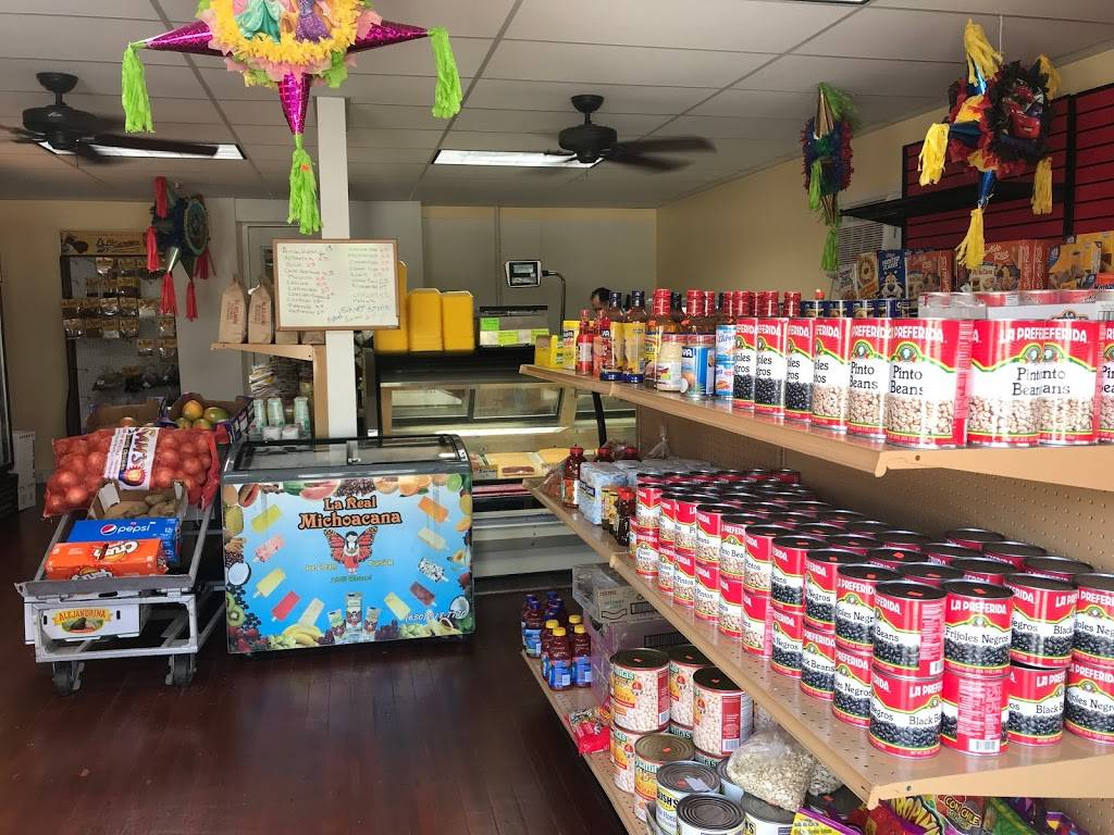Luceros Supermarket and Mexican Restaurant | restaurant | 211 W St Paul St, Spring Valley, IL 61362, USA | 8156638425 OR +1 815-663-8425