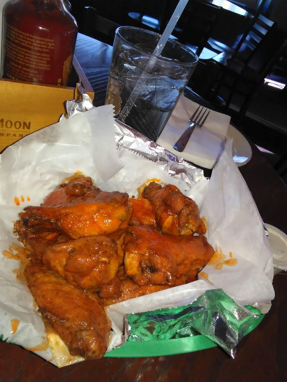 Cuzins Tavern & Pizza | restaurant | 17704 Oak Park Ave, Tinley Park, IL 60477, USA | 7086331144 OR +1 708-633-1144