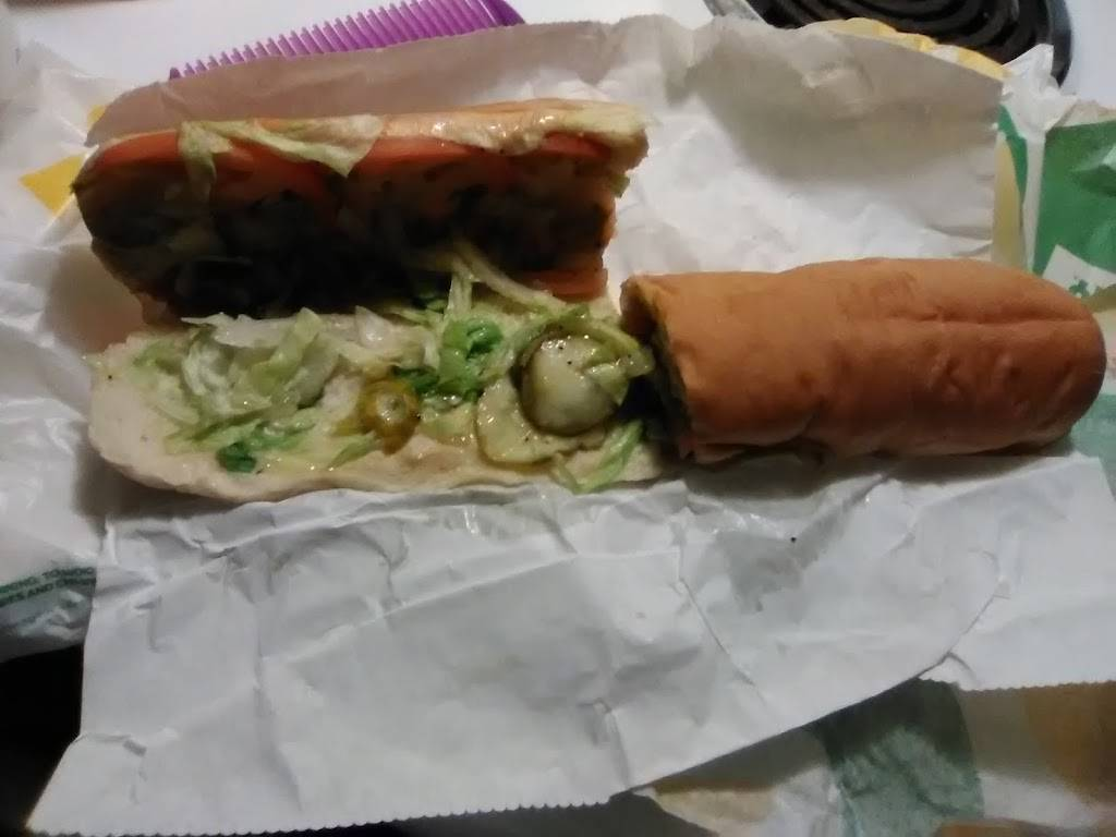 Subway   restaurant   200 N Lewis Ave, Oglesby, IL 61348, USA   8158838899 OR +1 815-883-8899
