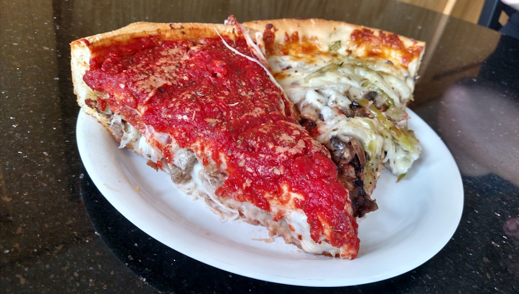 Art of Pizza on State Street | restaurant | 727 S State St, Chicago, IL 60605, USA | 3128775335 OR +1 312-877-5335