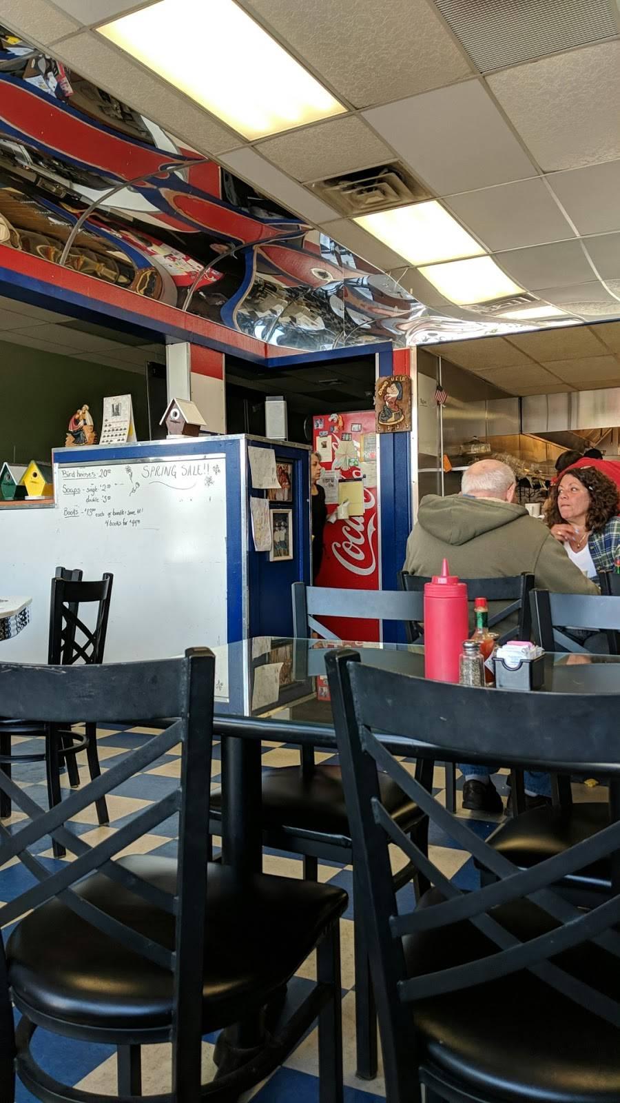 Destinys Diner | restaurant | 20 Gooding Ave, Bristol, RI 02809, USA | 4013965510 OR +1 401-396-5510