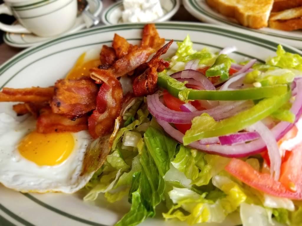 Jackson Gyro   cafe   85-30 37th Ave, Jackson Heights, NY 11372, USA   7184339408 OR +1 718-433-9408