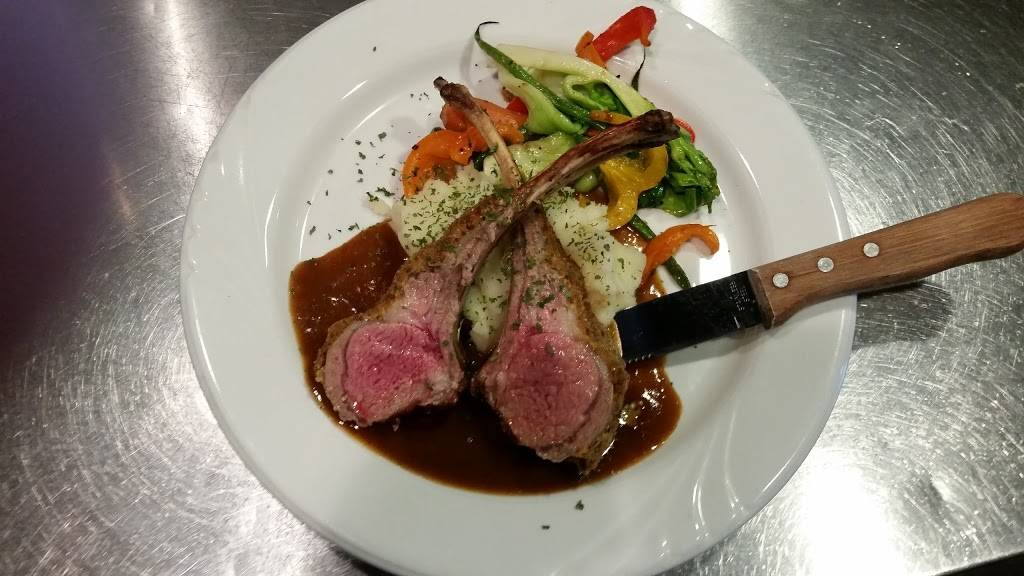 Alfredos Ristorante | restaurant | 1 Church St, Keswick, ON L4P 3E9, Canada | 9054763030 OR +1 905-476-3030