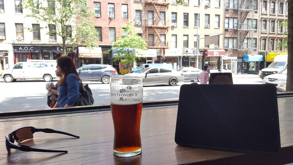 Bayards Ale House | restaurant | 1589 1st Avenue, New York, NY 10028, USA | 2128791500 OR +1 212-879-1500
