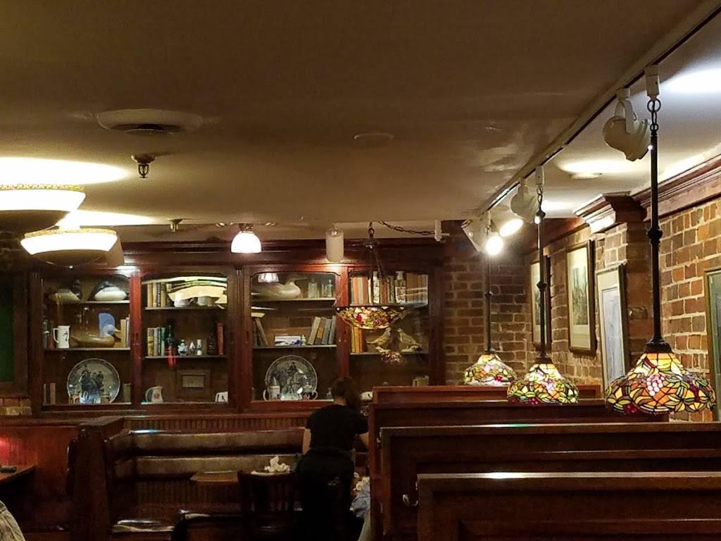 Paddys Hollow Restaurant & Pub | restaurant | Cotton Exchange Free Parking, 10 Walnut St, Wilmington, NC 28401, USA | 9107624354 OR +1 910-762-4354