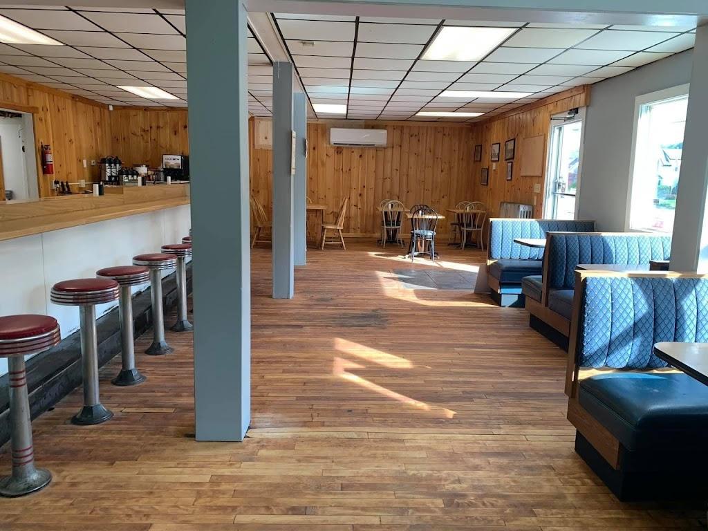 Sebago's Station Four | restaurant | 256 Sebago Rd, Sebago, ME 04029, USA | 2077875163 OR +1 207-787-5163