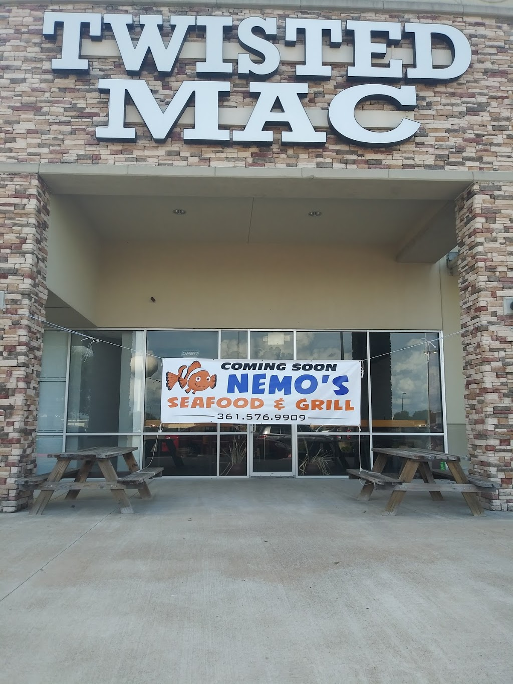 Nemos Seafood and Grill | restaurant | 8901 N Navarro St, Victoria, TX 77904, USA | 3615769909 OR +1 361-576-9909