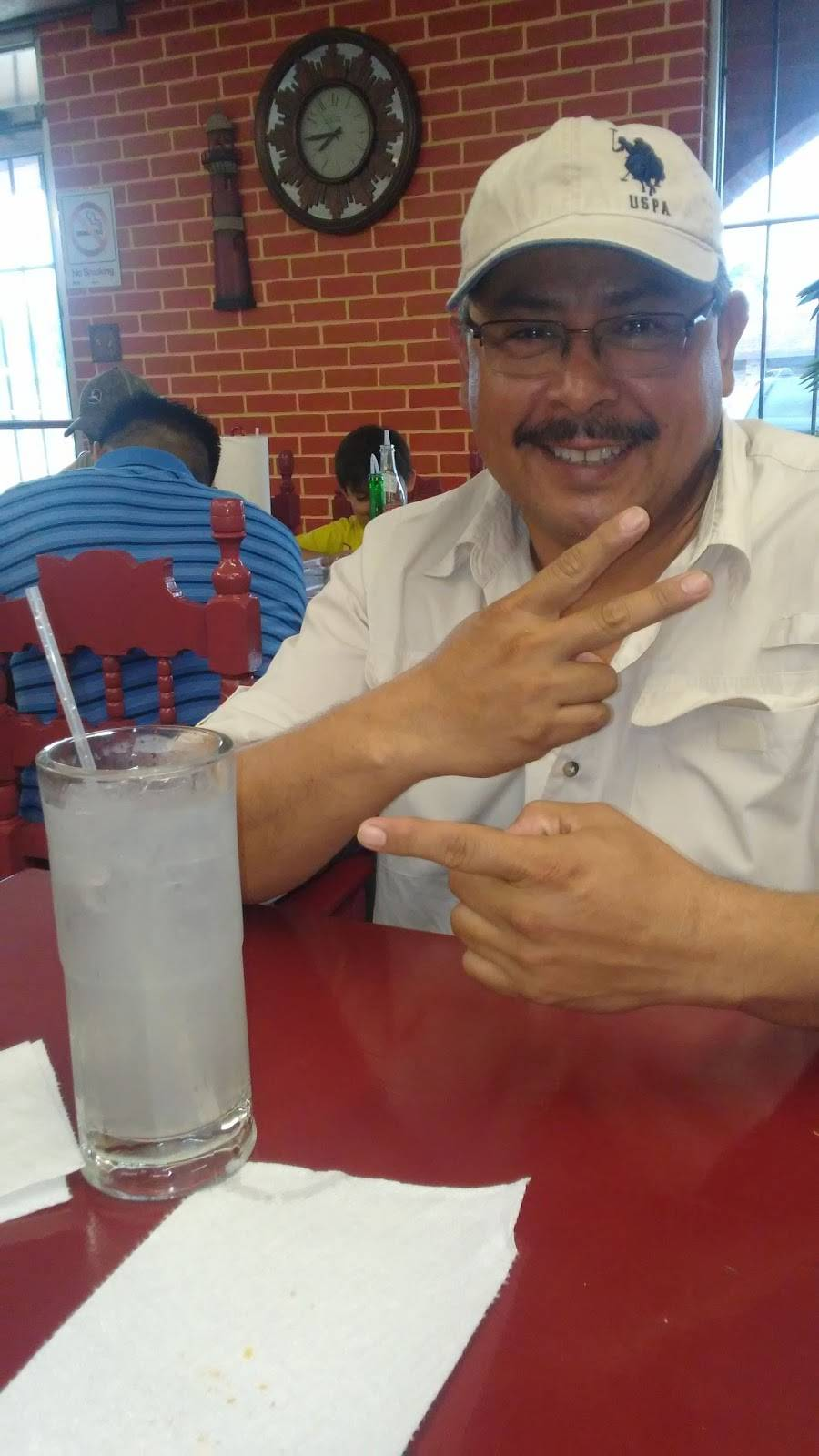 Vinces Seafood | restaurant | 5044 Gulfway Dr, Port Arthur, TX 77642, USA | 4099857731 OR +1 409-985-7731