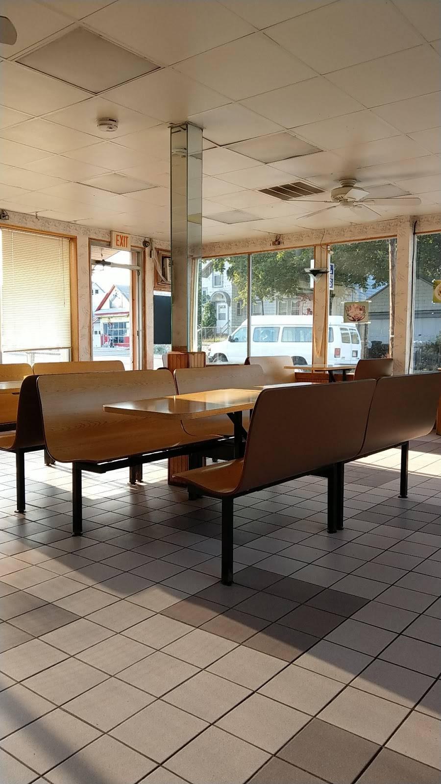 Lucky Garden | restaurant | 8 Haverhill St, Lawrence, MA 01841, USA | 9786819312 OR +1 978-681-9312