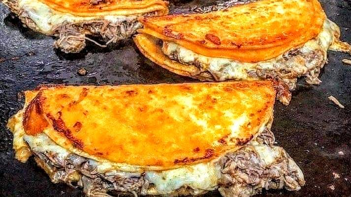 Birria Tacos con Consome QuesaBirria | restaurant | 7336 W Lawrence Ave, Harwood Heights, IL 60706, USA | 3128906364 OR +1 312-890-6364