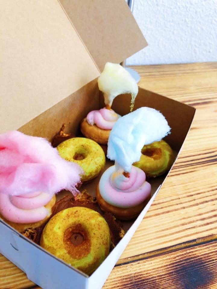 Sundays Mini Donuts And Ice Cream   bakery   35265 US Hwy 19 N, Palm Harbor, FL 34684, USA   7272860202 OR +1 727-286-0202