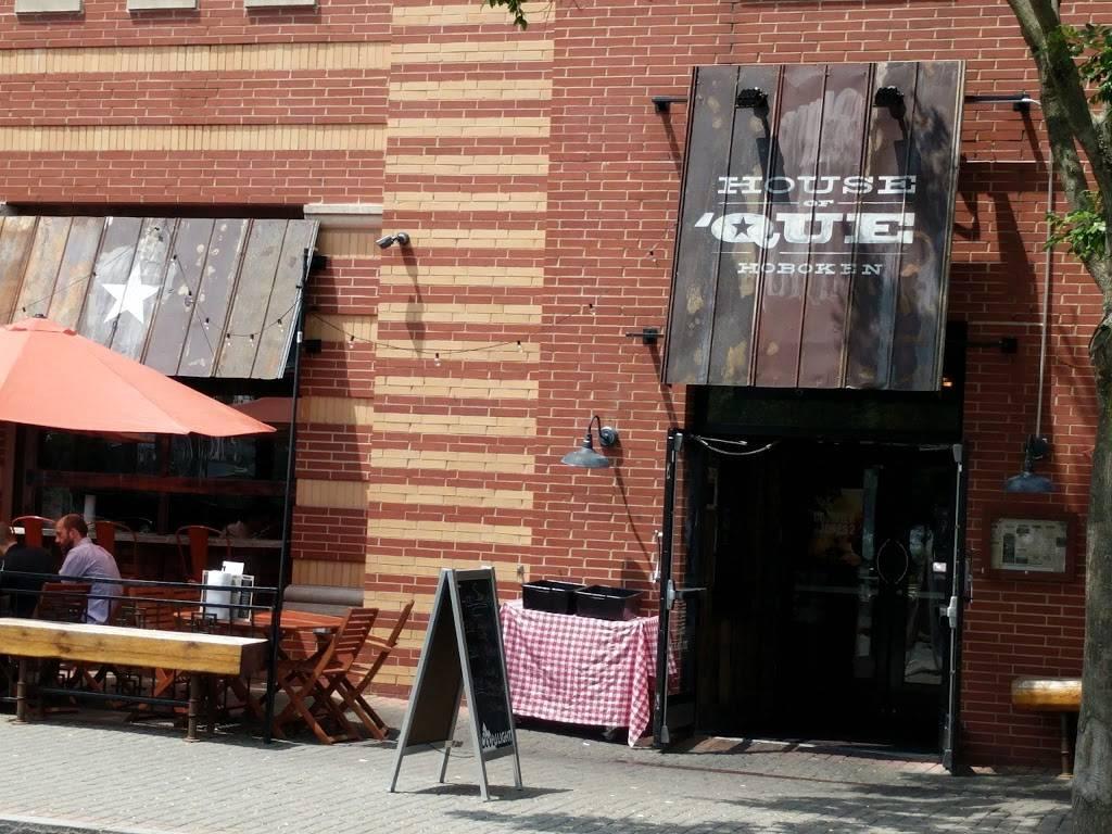 House of Que   restaurant   340 Sinatra Dr, Hoboken, NJ 07030, USA   2017068755 OR +1 201-706-8755
