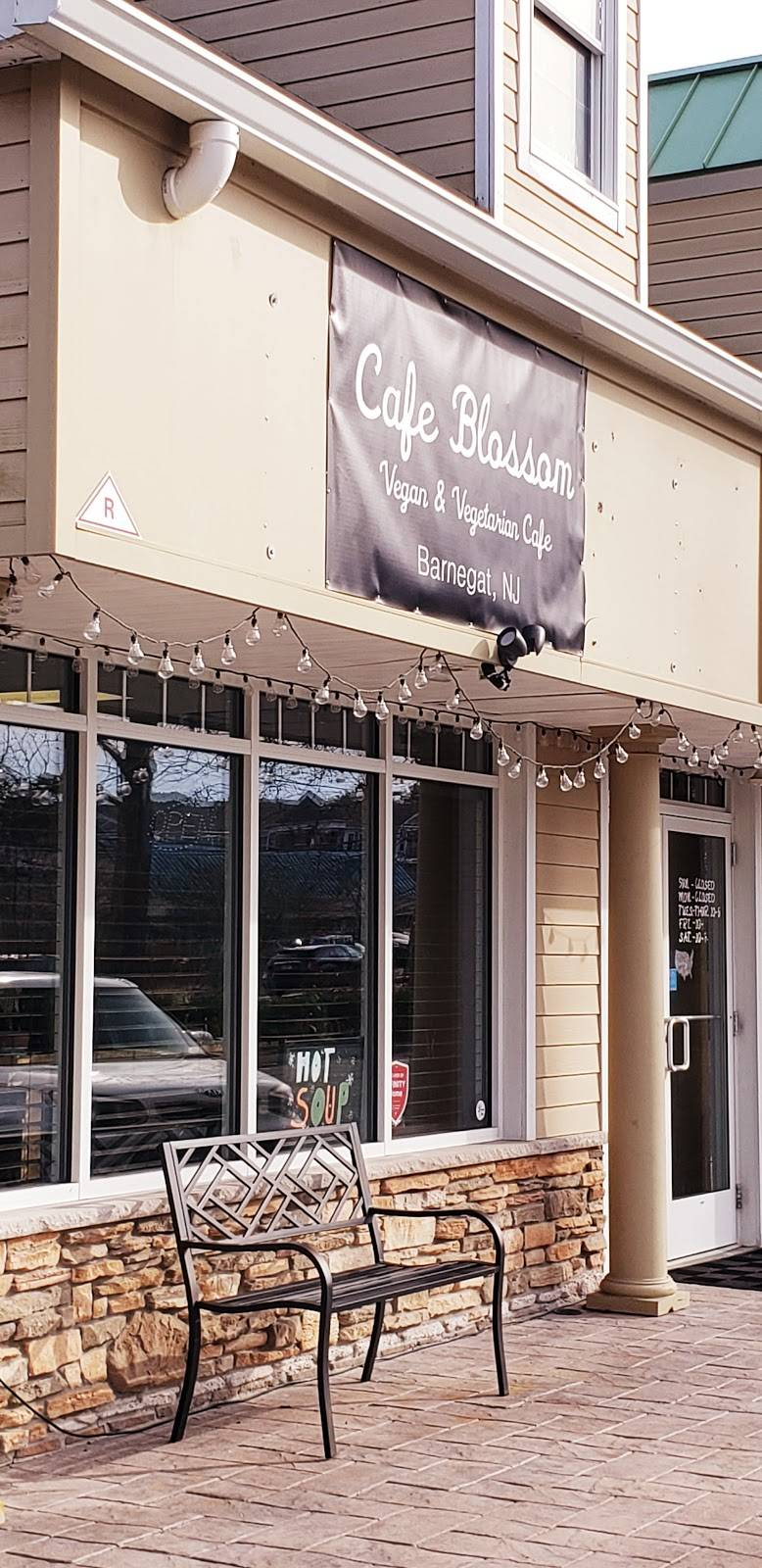 Cafe Blossom   cafe   34 S Main St, Barnegat, NJ 08005, USA   6093392727 OR +1 609-339-2727