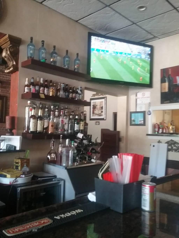 MILANO'S Cafe Bar | restaurant | 3930 W School St, Chicago, IL 60618, USA | 7736853830 OR +1 773-685-3830