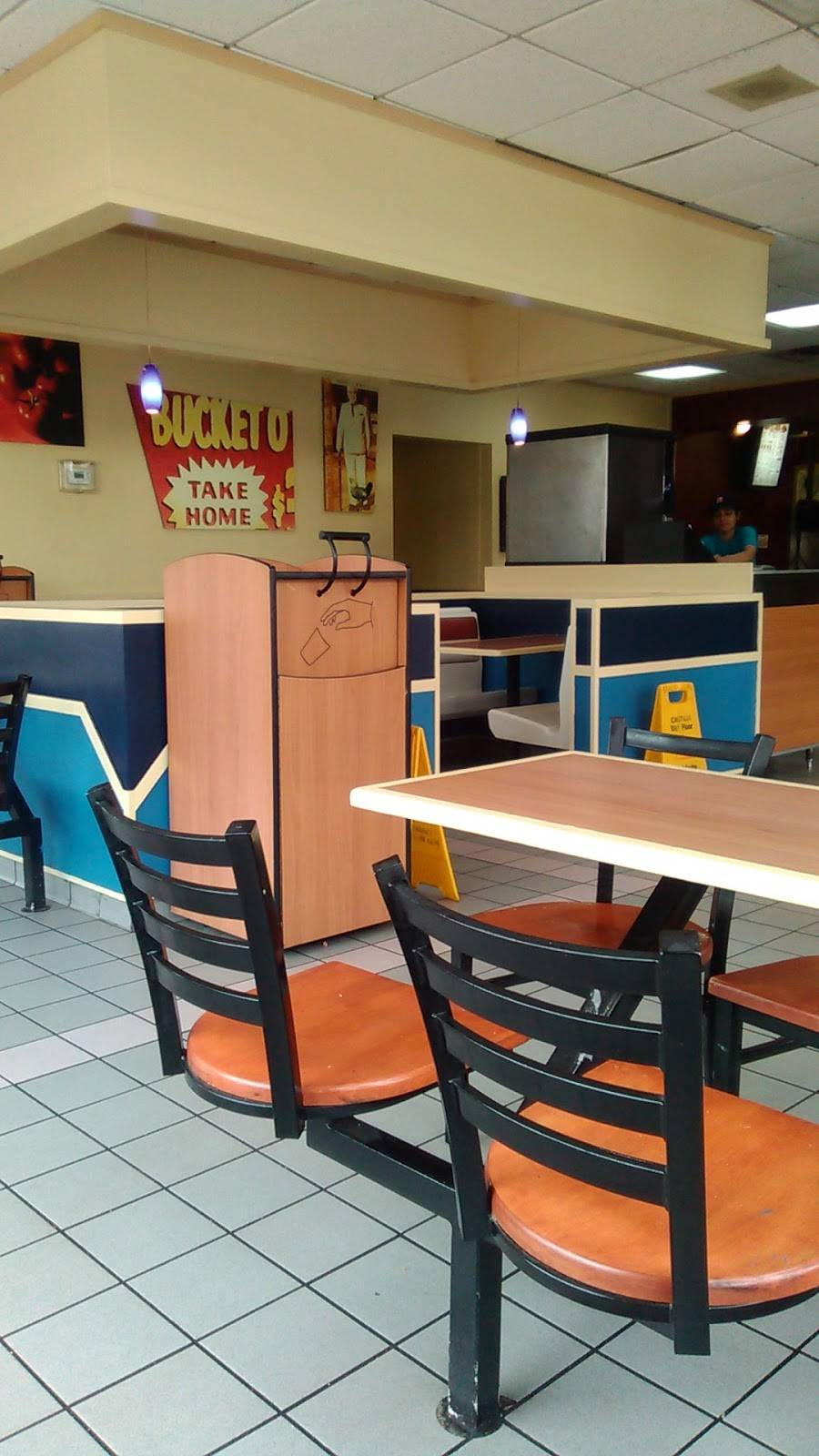 Taco Bell | meal takeaway | 7161 Goreway Dr, Mississauga, ON L4T 2T5, Canada | 9056773813 OR +1 905-677-3813