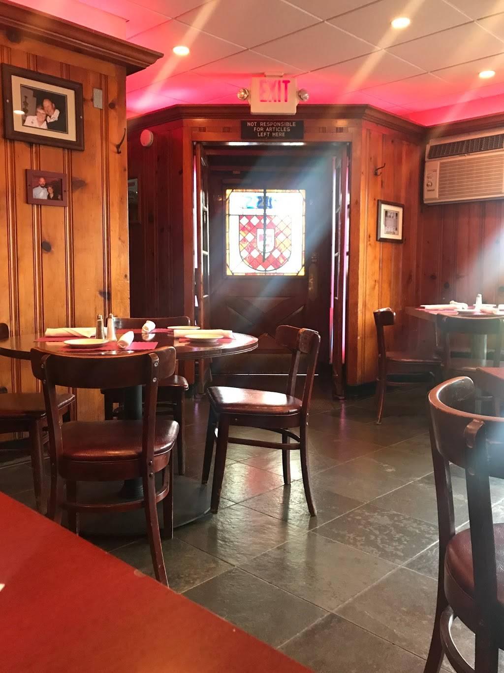Guss   restaurant   10 Quassaick Ave, New Windsor, NY 12553, USA   8455613113 OR +1 845-561-3113