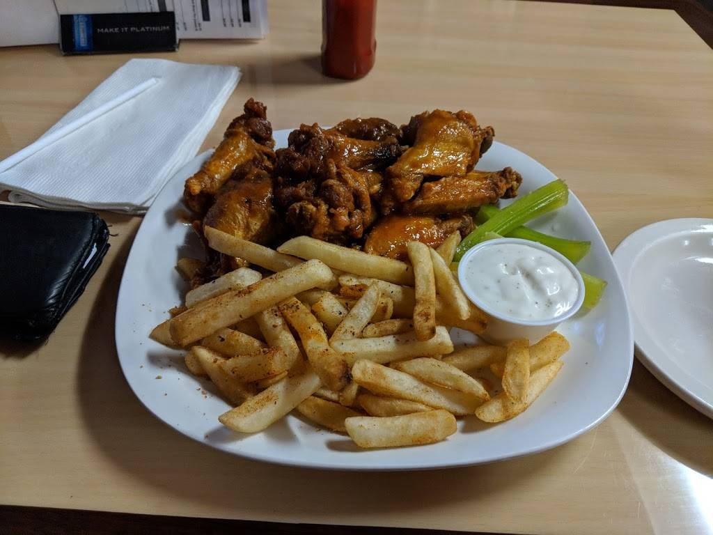 Richies Hot Wings | restaurant | 2934 US-31W, White House, TN 37188, USA | 6156722491 OR +1 615-672-2491