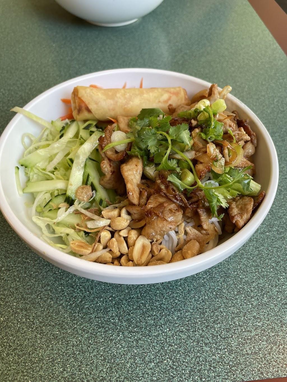 The Lemongrass Kitchen | restaurant | 121 Dunbar St, Spartanburg, SC 29306, USA | 8642056150 OR +1 864-205-6150