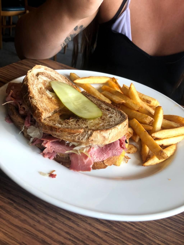 The Black Dog Cafe-Restaurant -Lounge | restaurant | 6065 Taunton Rd, Orono, ON L0B 1M0, Canada | 9059835070 OR +1 905-983-5070