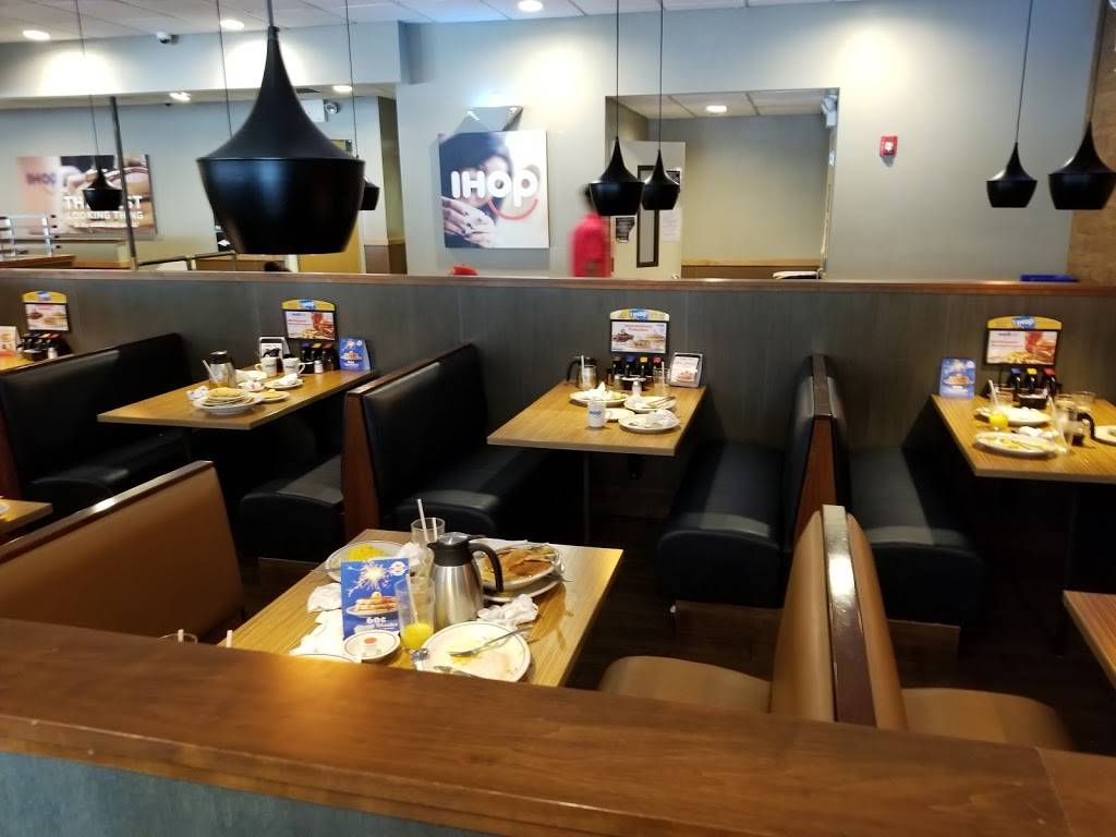 IHOP | restaurant | 4168 Broadway, New York, NY 10033, USA | 2129273777 OR +1 212-927-3777