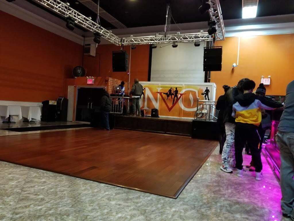 New Vault Cafe   night club   481C Hempstead Turnpike, Elmont, NY 11003, USA   5164883100 OR +1 516-488-3100