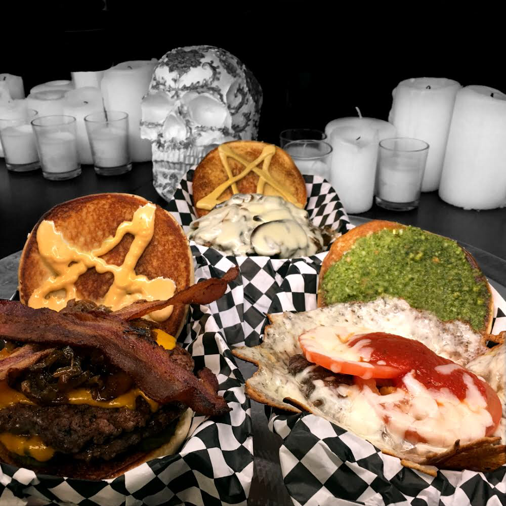 Full Metal Burgers | restaurant | 2550 Jason Ct, Oceanside, CA 92056, USA | 7605123719 OR +1 760-512-3719