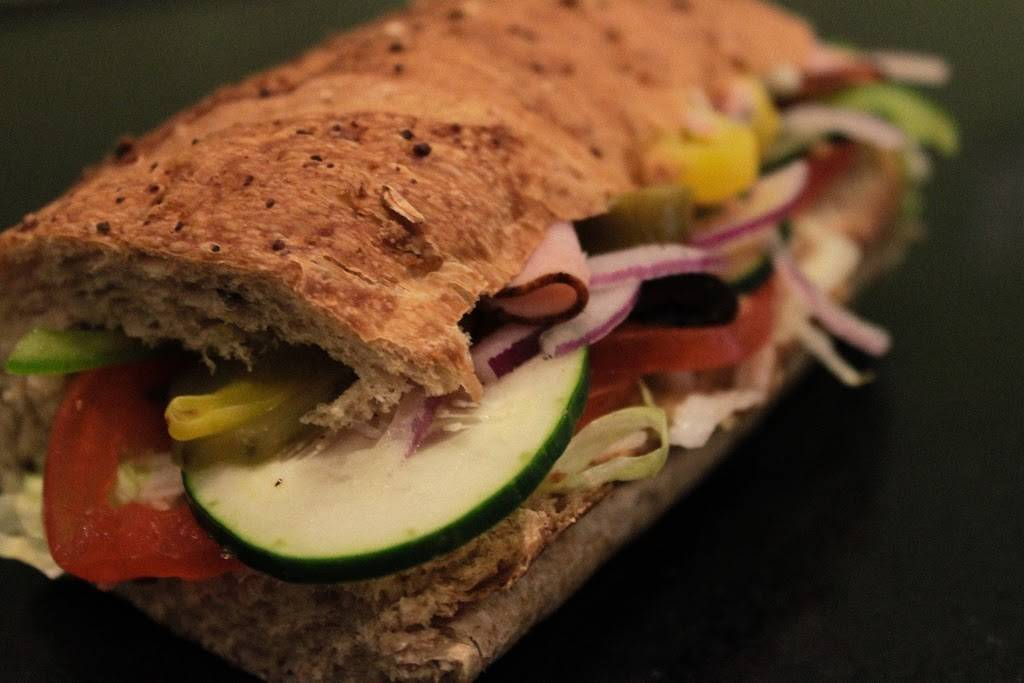 Subway Restaurants   restaurant   233 N Michigan Ave, Chicago, IL 60601, USA   3122409900 OR +1 312-240-9900