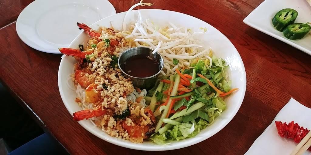 Bistro Du Saigon | restaurant | 168 Main St, Fort Lee, NJ 07024, USA | 2015920100 OR +1 201-592-0100