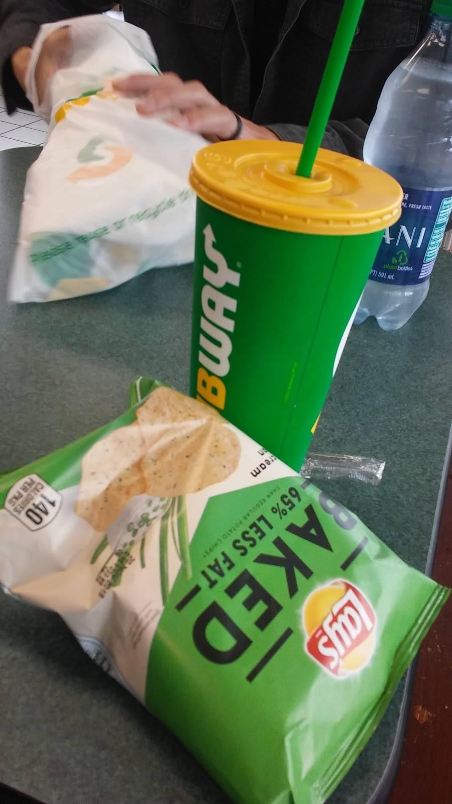 Subway | restaurant | 942 Washington St, Middletown, CT 06457, USA | 8603462066 OR +1 860-346-2066