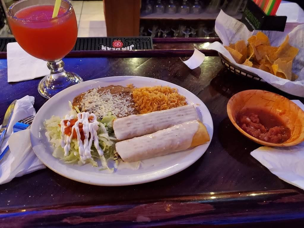 Compadres Mexican Restaurant & Cantina | restaurant | 101 Clearview Cir, Butler, PA 16001, USA | 7242821702 OR +1 724-282-1702