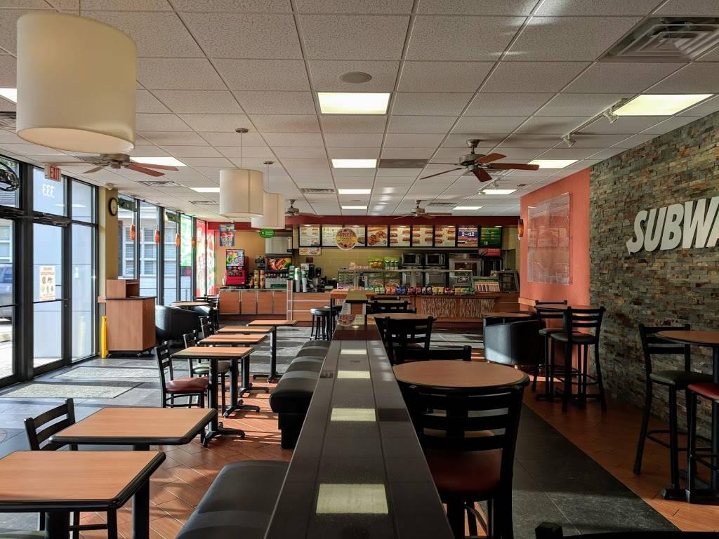 Subway Restaurants   restaurant   333 S Arlington Heights Rd, Arlington Heights, IL 60005, USA   8476320740 OR +1 847-632-0740