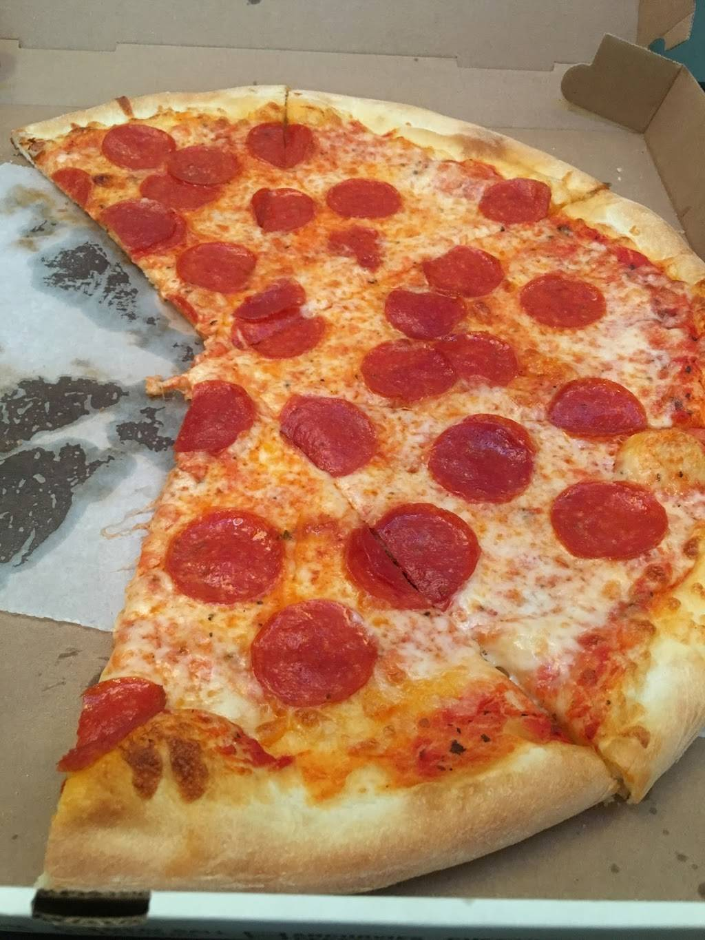 Lennys Pizza | meal delivery | 44-08 Greenpoint Ave, Sunnyside, NY 11104, USA | 7187868100 OR +1 718-786-8100