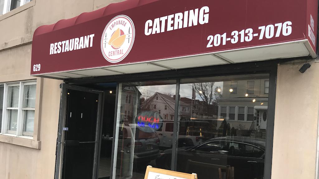 Empanada Central | restaurant | 629 Palisade Ave, Cliffside Park, NJ 07010, USA | 2013137076 OR +1 201-313-7076