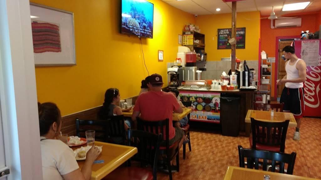 Homemade Taqueria Maspeth | restaurant | 71-3 Grand Ave, Maspeth, NY 11378, USA | 7187790771 OR +1 718-779-0771