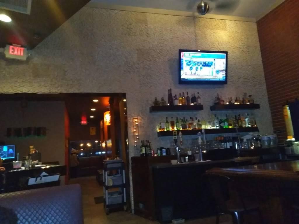 Raku Izakaya | restaurant | 209 Main St, Fort Lee, NJ 07024, USA | 2015850707 OR +1 201-585-0707