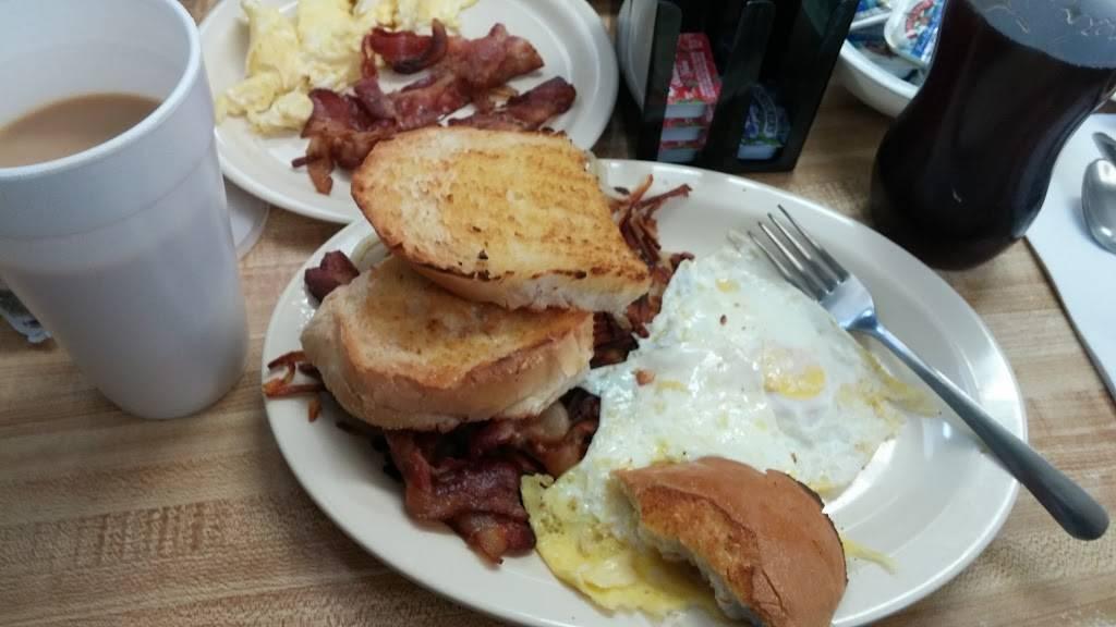 Tonys Home of the Giant Steak Sandwich | restaurant | 518 W Washington St, St. Louis, MI 48880, USA | 9896815621 OR +1 989-681-5621