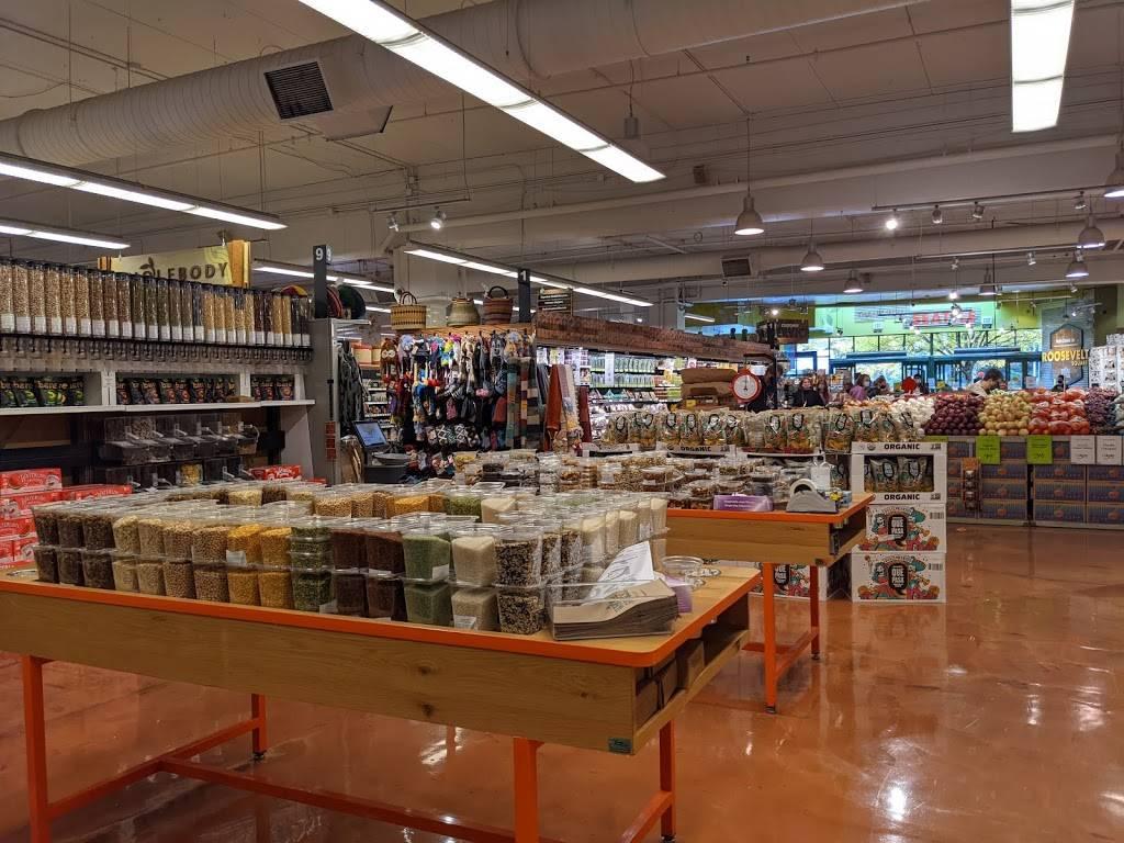 Roosevelt Square | shopping mall | 6401 12th Ave NE, Seattle, WA 98115, USA | 5036034700 OR +1 503-603-4700