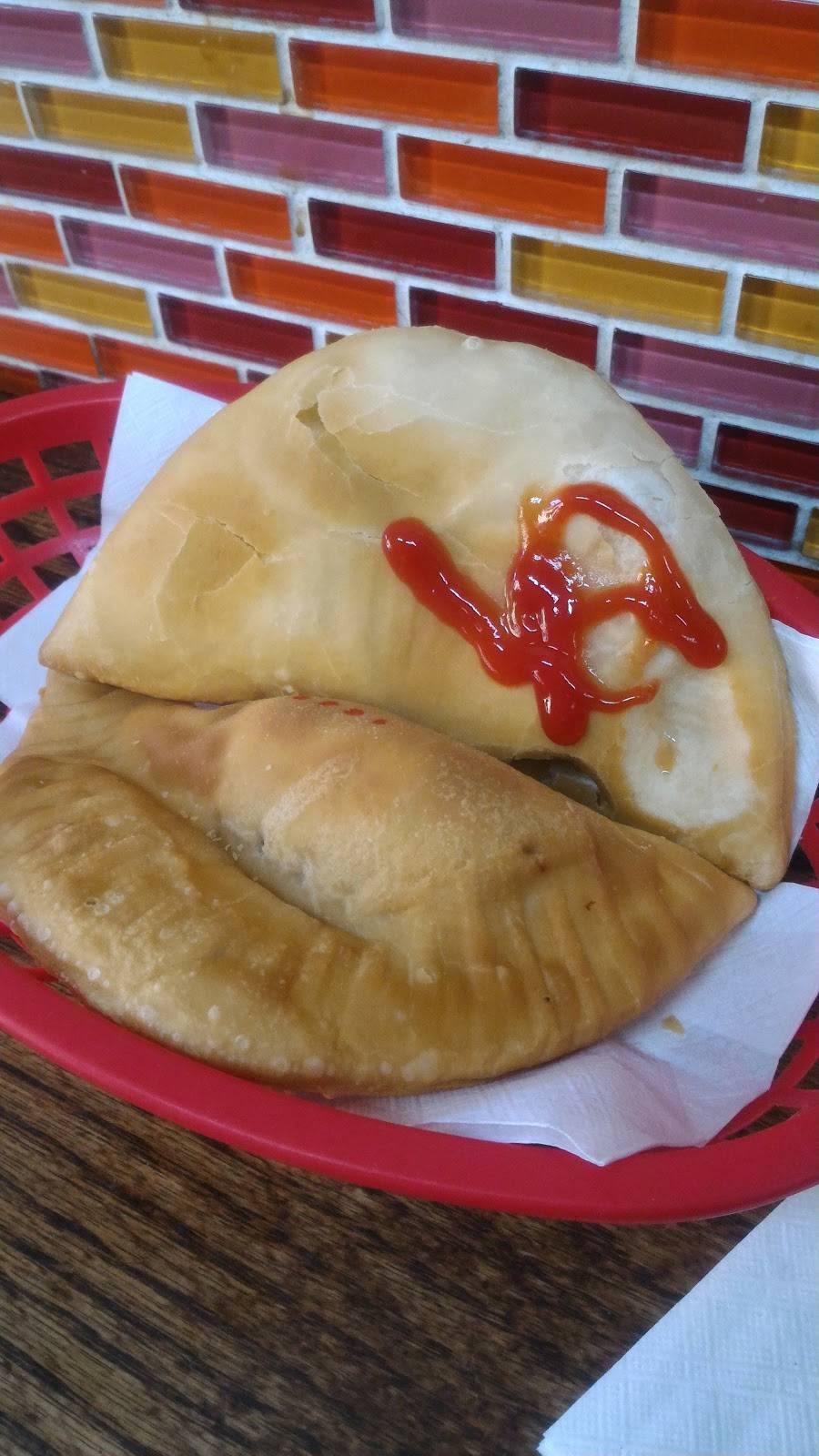 Empanadas Monumental | bakery | 4093 Broadway, New York, NY 10032, USA | 2129239300 OR +1 212-923-9300