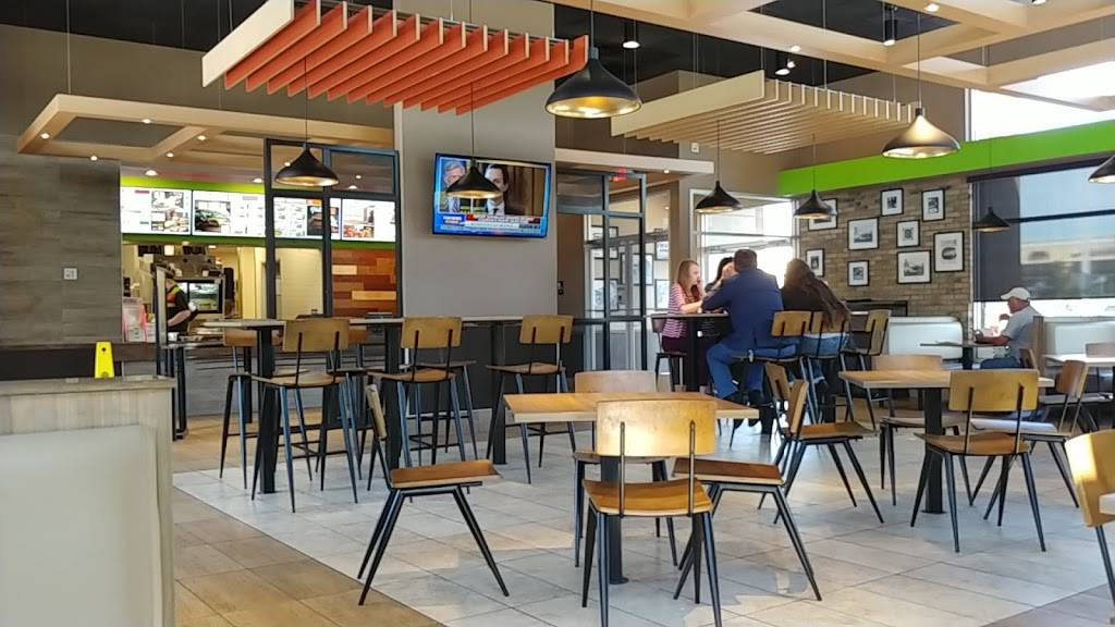 Burger King | restaurant | 11768 US-301, Dade City, FL 33525, USA | 3525180511 OR +1 352-518-0511