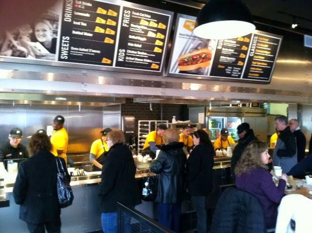 Steak Escape | meal takeaway | 5420, 135 Los Cerritos Center, Cerritos, CA 90703, USA | 5628883498 OR +1 562-888-3498