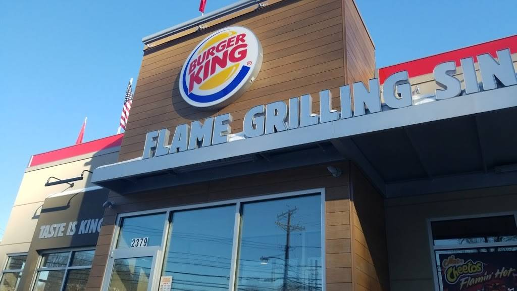 Burger King | restaurant | 2379 Noblestown Rd, Pittsburgh, PA 15205, USA | 4124384900 OR +1 412-438-4900