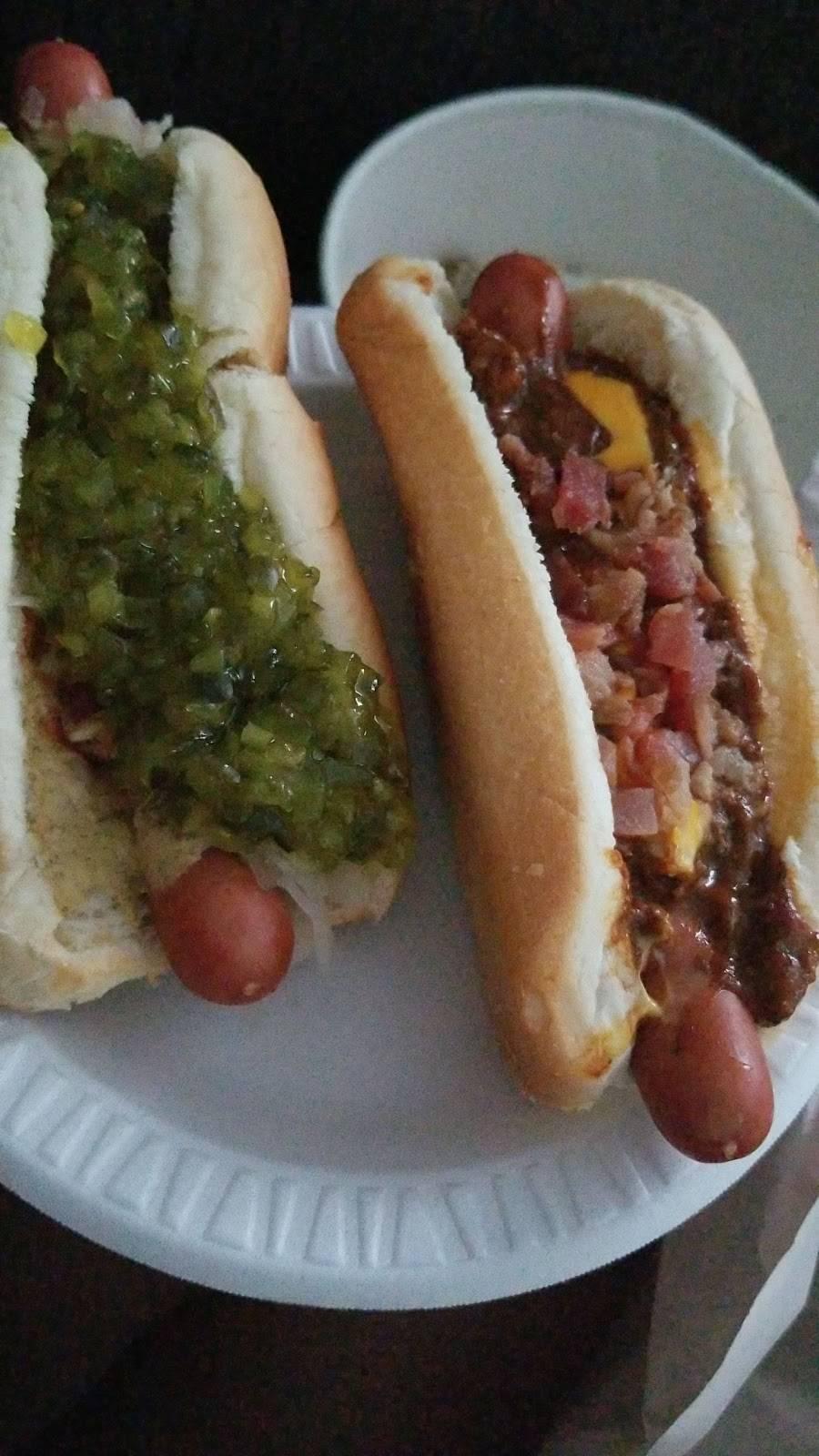 Hot Dog House | restaurant | 510 NJ-17, Carlstadt, NJ 07072, USA | 2019355803 OR +1 201-935-5803