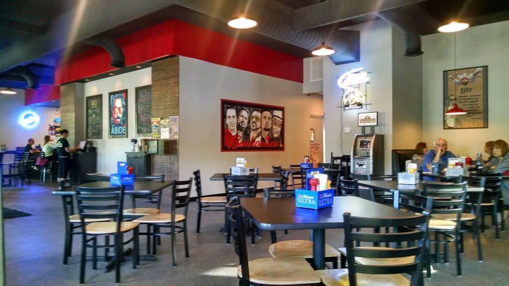 Lebowskis Bar & Grill | restaurant | 925 Robins Square Dr, Robins, IA 52328, USA | 3195360700 OR +1 319-536-0700