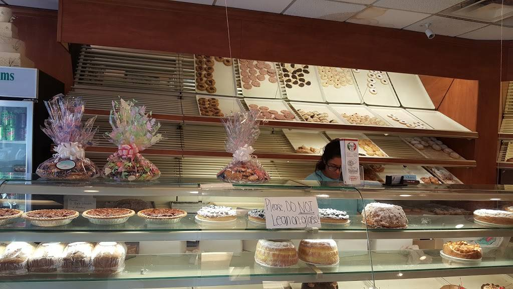Millers Bakery Since 1947 | bakery | 716 Anderson Ave, Cliffside Park, NJ 07010, USA | 2019430400 OR +1 201-943-0400